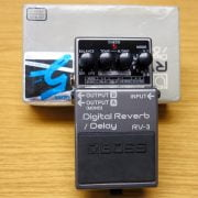 boss rv-3 with box